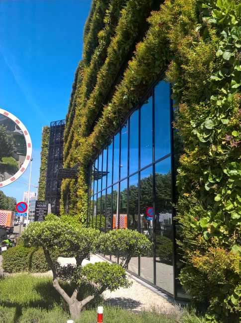 GreenOffice gebouw met groene gevel